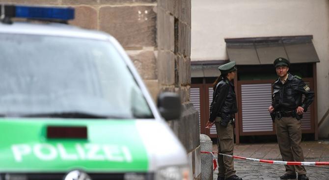 Иранец рани 14 души с нож в Германия (обновена)