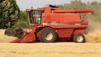 Жътвата на пшеница в Русенско приключва до седмица