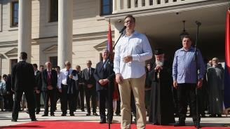 Сръбският президент към медици: Не си мечтайте за Германия. Заплатите ще ви се вдигнат