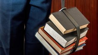 Ето какви учебници и учебни помагала одобри МОН