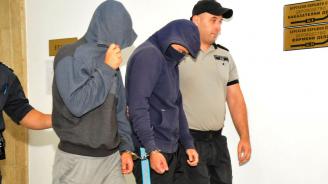 Постоянен арест за младежите, обирали чуждестранни туристи в Слънчев бряг (снимки)