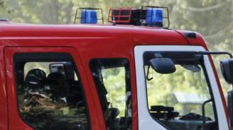 Лек автомобил горя във Враца
