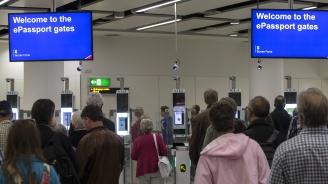Брюксел към страните от ЕС: Гответе се за опашки по летищата, пристанищата и гарите