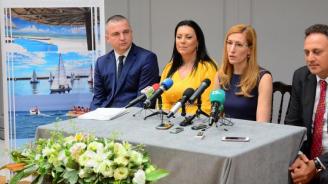 Министър Ангелкова: Очакваме чуждестранните туристи това лято да са повече  от 5,5 млн.