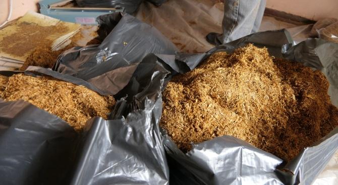 Общо 11,600 кг насипен тютюн без бандерол иззели на 20