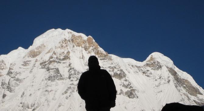 Дрон откри бедстващ алпинист в Хималаите (видео)