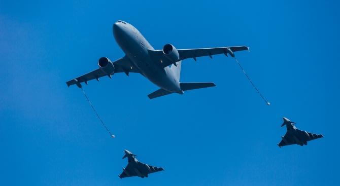 """Намиращи се в Румъния изтребители """"Тайфун"""" на британските ВВС са"""