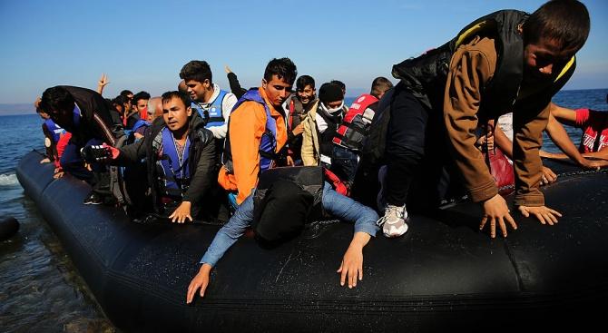 Турция спряла над 14 000 мигранти да стигнат до Европа от началото на 2018 г.