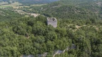 Археолози откриха изключителна находка в крепостта Лютица (снимка)