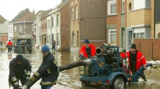 Градушка парализира Белгия