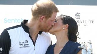 Принц Хари целуна Меган пред камерите в Уиндзор (снимки)