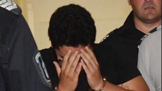 Постоянен арест за момчето, намушкало друг тийнейджър заради обида в социалните мрежи (снимки)