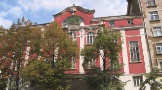 Най-старото българско кино тъне в забвение