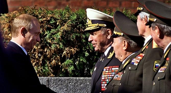 Командващият руския контингент в Сирия генерал-полковник Александър Журавльов може да