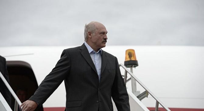 Белоруският президент Александър Лукашенко е бил ударен от инсулт, написа