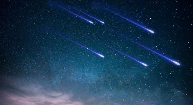 Частично слънчево затъмнение и звездопад над Русия през август