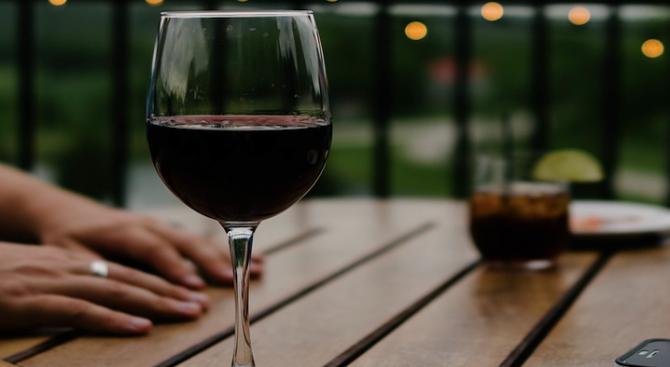 Умерените консуматори на алкохол са с по-малък риск от сенилна