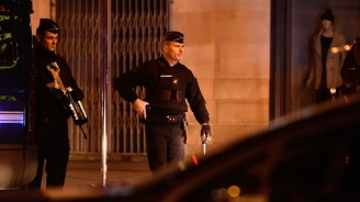 Куршуми летяха във Франция. Има ранени