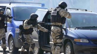 Мащабна спецакция в Бургас, удариха бандата на Митьо Очите