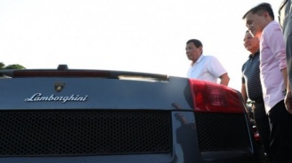 Как се унищожават луксозни автомобили за 5.6 млн. долара (видео)