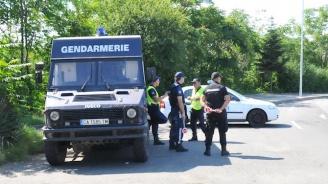 19 приближени до Митьо Очите са задържани при спецакцията на ГДБОП в Бургас (снимки+видео)
