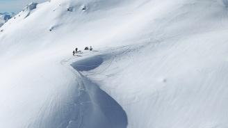 Австралийски алпинист оцеля седмица след като си изкопа убежище в снега
