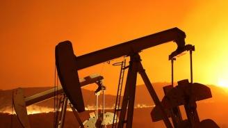 Експерти предупреждават, че се задава рязко поскъпване на петрола