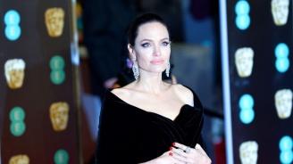 Анджелина Джоли настоява да финализира развода си до края на годината