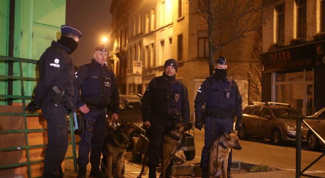 Мъж разби вратата на руското консулство в Лимасол и нахлу вътре