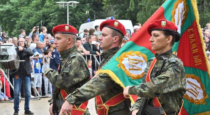 Общо 206-има българи се записаха да учат за военни през