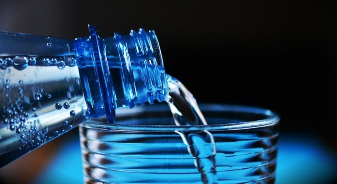 Най-полезното питие в жегите е водата, пийте я често и по малко