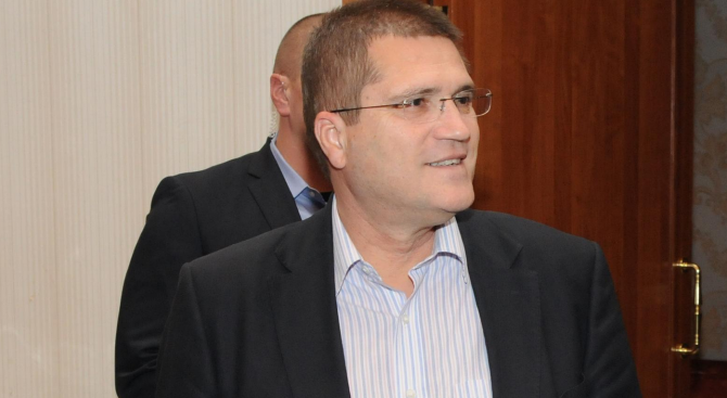 10 години Министерство на отбраната мълчи за скандални сделки по времето на Николай Цонев