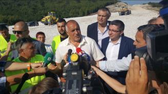 """Пускат до август 2019 г. участъка между Ябланица и Боаза от АМ """"Хемус"""" (снимки+видео)"""