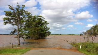 Във Франция бяха евакуирани 750 къмпингуващи заради наводнения