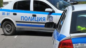 Двама пияни се сбиха, полицията ги задържа