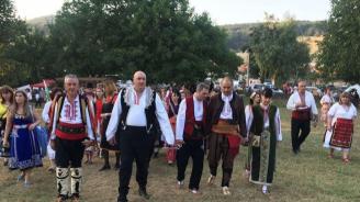 Цветанов открива Международния фестивал на фолклорната носия в Жеравна