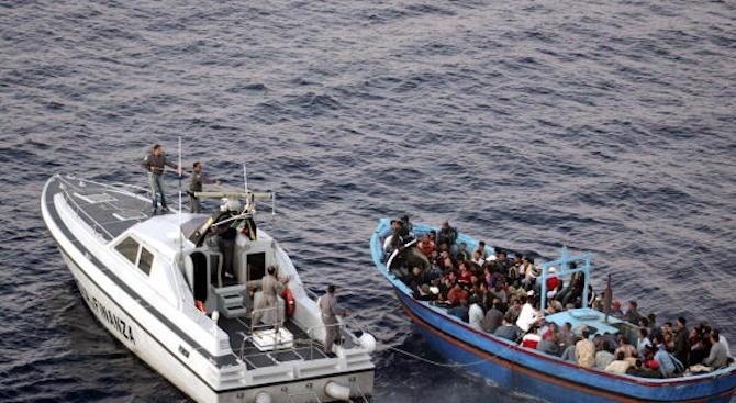 Малта прие 114 мигранти, които бяха спасени на 53 морски