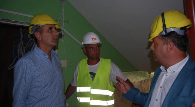Цветанов провери ремонта на детска градина във Велико Търново (снимки)
