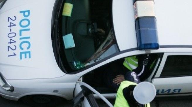 Водач, употребил алкохол, установиха павликенски полицаи при обработване на пътно