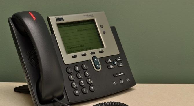 Полицейски служители установили помагачи в телефонна измама, извършена на 16