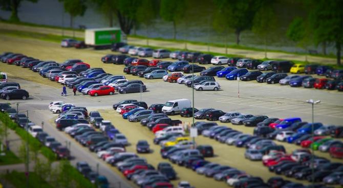 Кола блъсна 9-годишно дете на паркинг в Търговище, съобщиха от