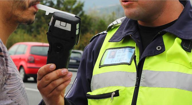 Снимка: 3.59 промила отчете пиян до козирката шофьор