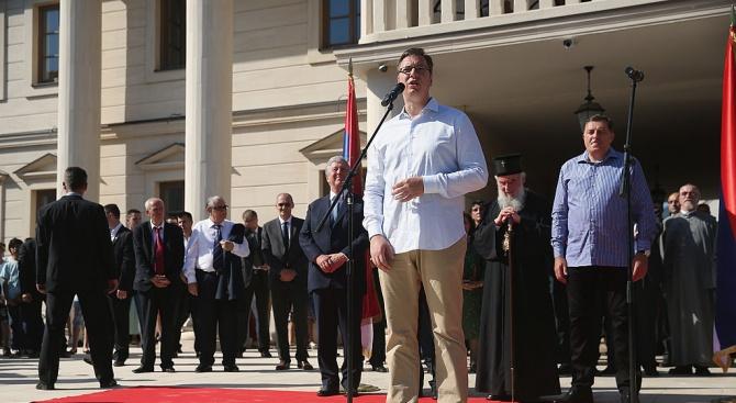Президентът на Сърбия Александър Вучич и косовския му колега Хашим