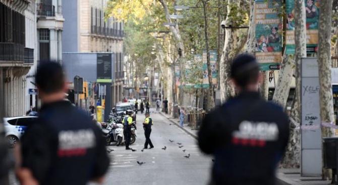Испания днес отбелязва 1 година от нападенията в Барселона и