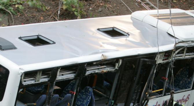 """Автобус на превозвача """"Фликсбус"""" катастрофира на магистрала А19, между Берлин"""