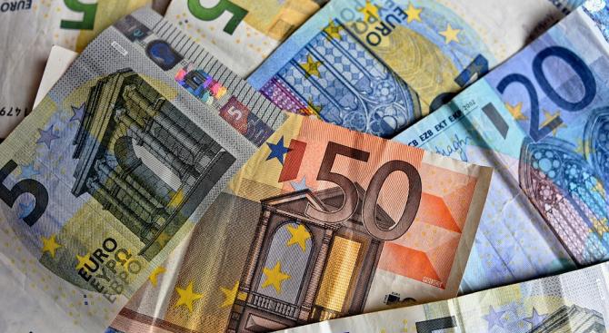 Над 1,3 млрд. евро са приходите от международен туризъм у