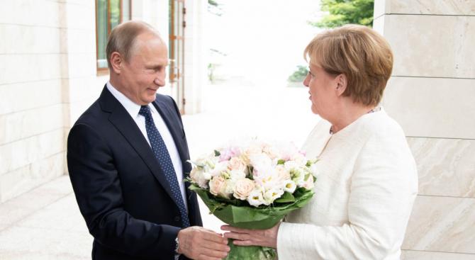 Германският канцлер Ангела Меркел очаква сложни дискусии с руския президент