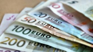 Еврото потъна до най-ниското равнище спрямо долара от юли 2017 г.