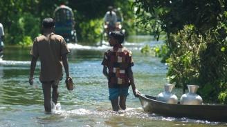 Нови 39 жертви на мусонните наводнения в Индия