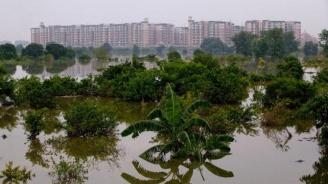30 000 бяха евакуирани заради потоп в Индия